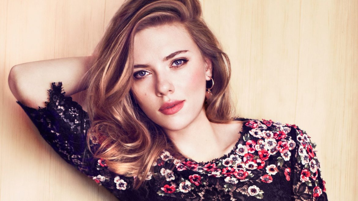 Love Story Of Scarlett Johansson: not a one man woman?