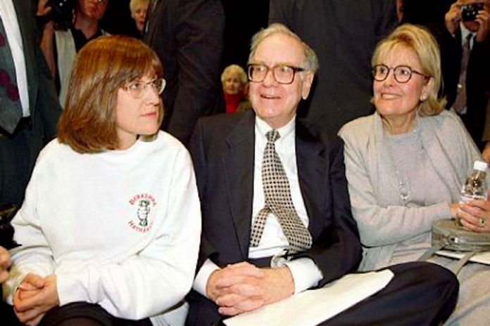 The Love Story of Warren Buffett, Susan Thompson and Astrid Menks: A story of Investment In Love and Respect