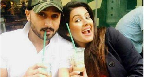 Harbhajan's smitten with Geeta at first sight