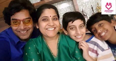Ashutosh Rana and Renuka LoveStory Is Mesmerizing